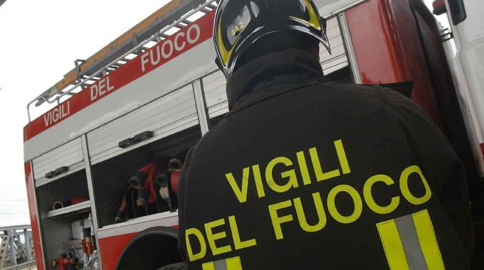 Bologna, l'allarme dei vigili del fuoco.
