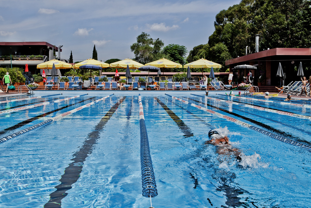 Uds alternanza scuola lavoro con sfruttamento in un for Centro sportivo le piscine