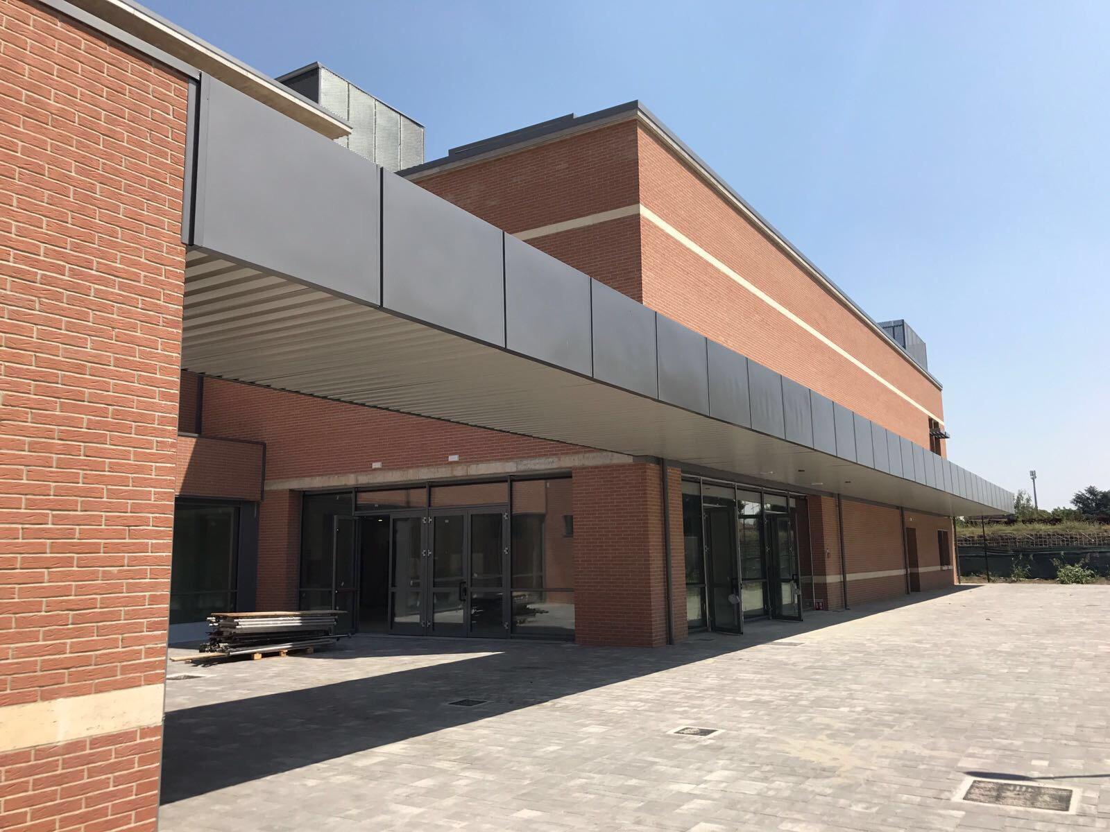 Nuova scuola solari iscrizioni a 29 grande apertura a for Nuova apertura grande arredo bari
