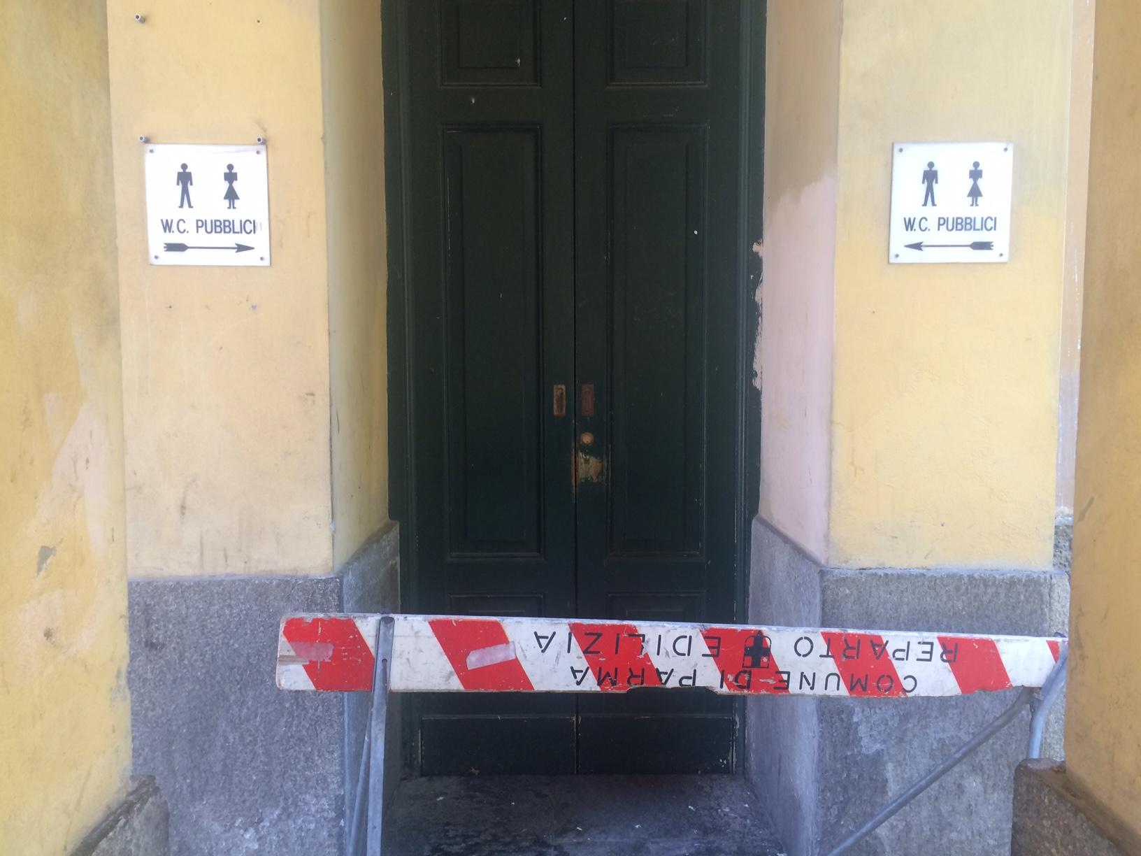 bagno pubblico - ParmaPress24
